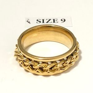 Gold Tone Spinner Ring, Size 9